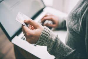 Kreditkort är alternativet i ett kontantlöst samhälle
