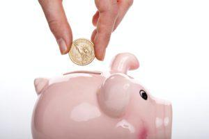 Spara pengar med kreditkort – är det möjligt?